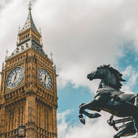 英国のEU離脱問題について分かりやすく解説した記事中のイメージ画像です。有名なロンドンの時計塔が写っています。